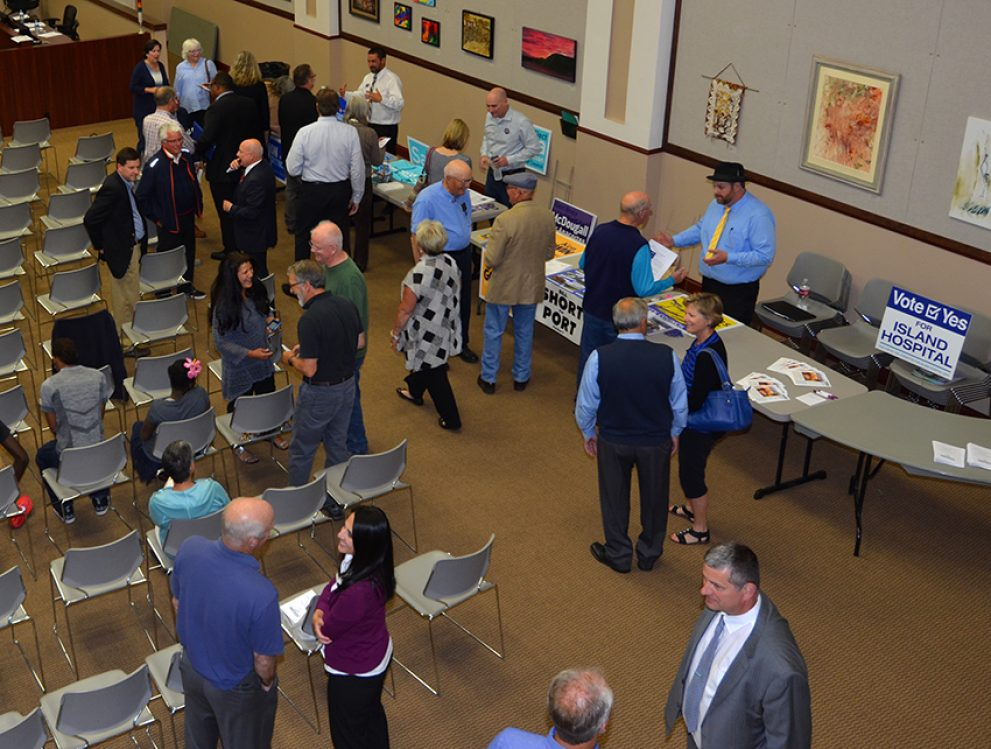 Chamber hosts candidate forum